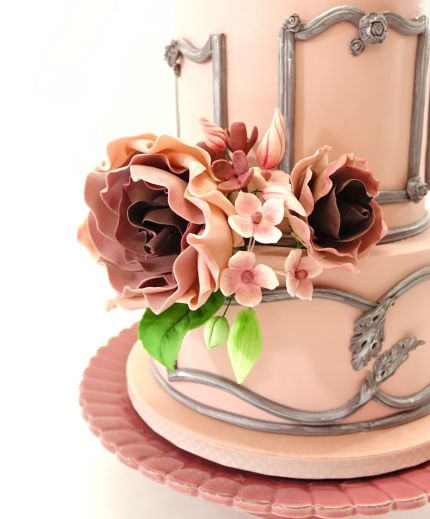 Shabby chic sugar flowers